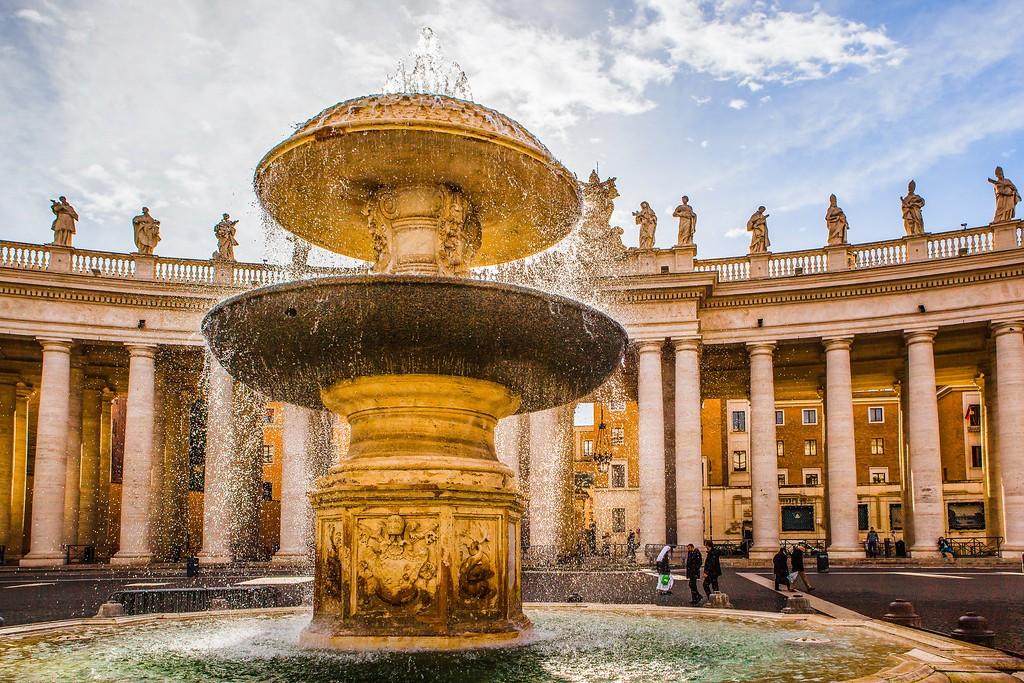 梵蒂冈圣伯多禄广场(St. Peter's Square),闻名天下_图1-8