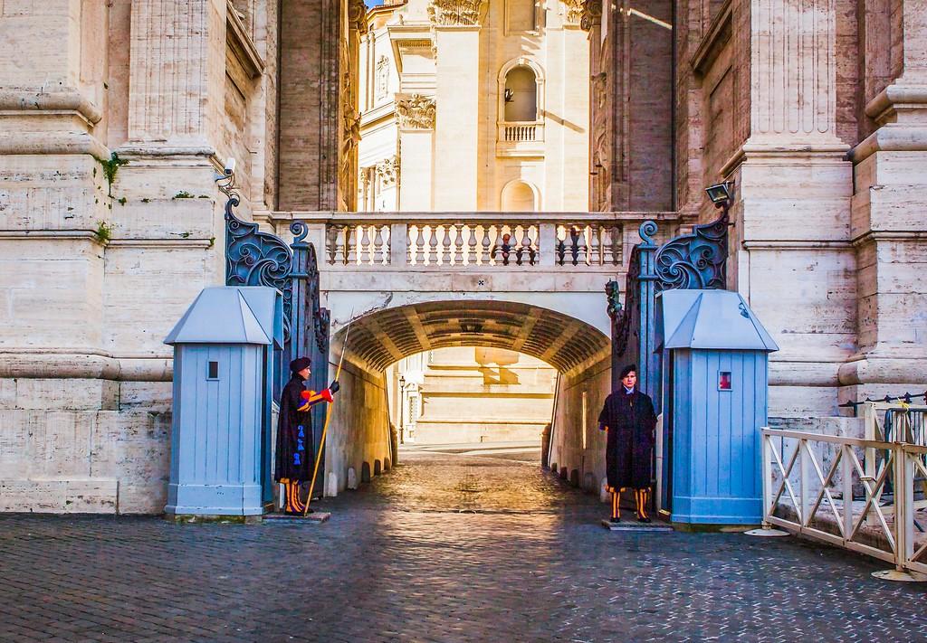 梵蒂冈圣伯多禄广场(St. Peter's Square),闻名天下_图1-4