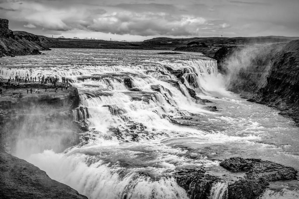 冰岛古佛斯瀑布(Gullfoss),场面震撼_图1-3