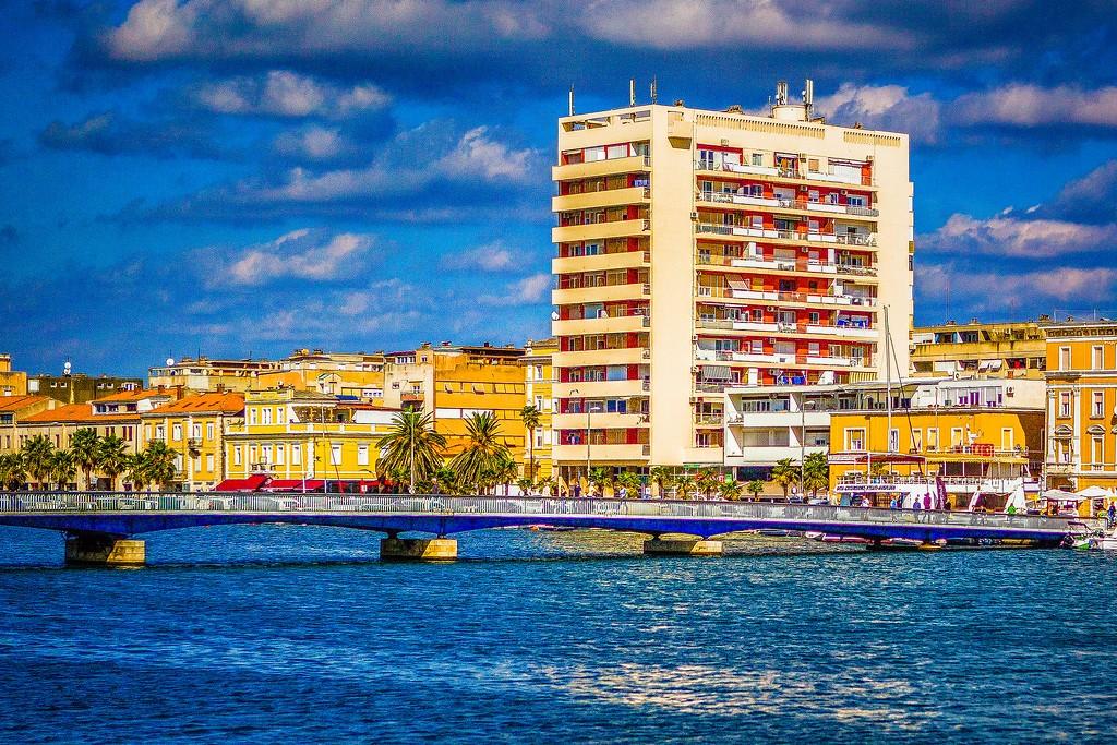 克罗地亚扎达尔(Zadar),滨江岸景_图1-24