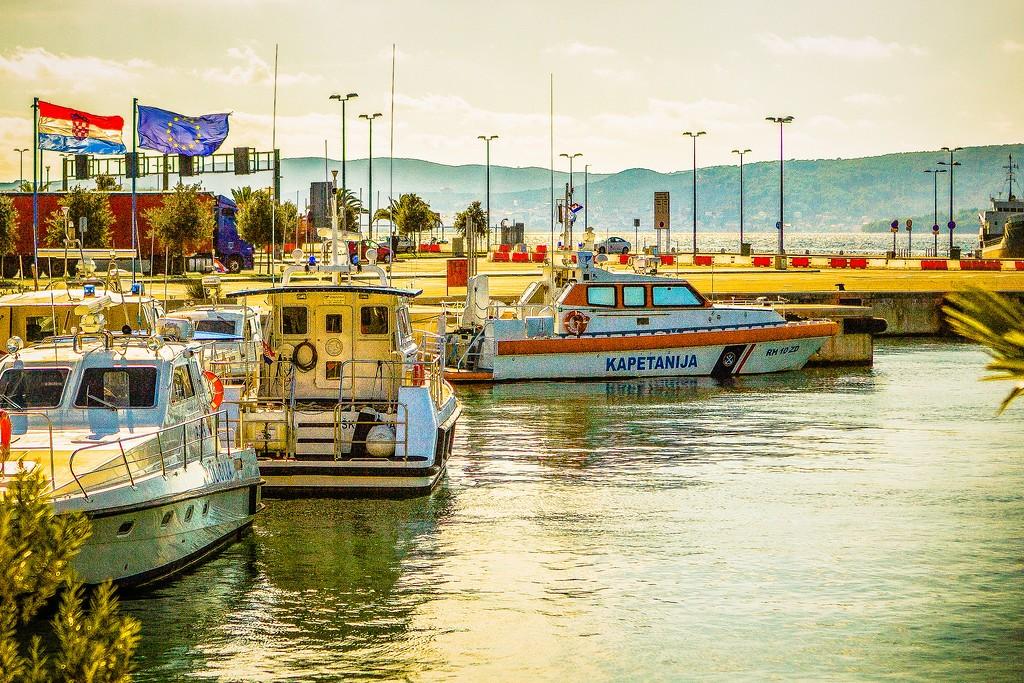 克罗地亚扎达尔(Zadar),滨江岸景_图1-23