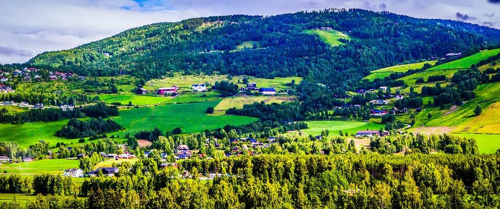 北欧风光,山林中的家_图1-23