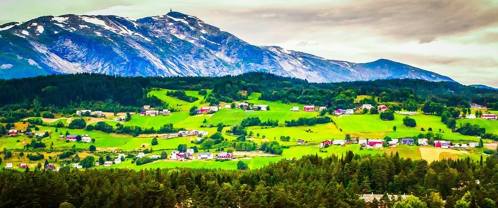 北欧风光,山林中的家_图1-17
