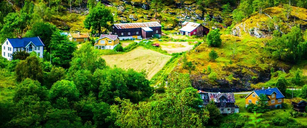 北欧风光,山林中的家_图1-11