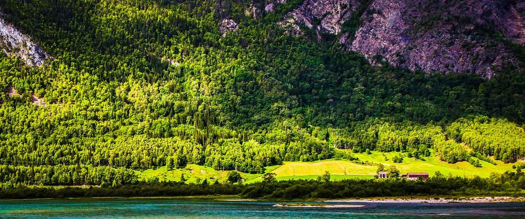 北欧风光,山林中的家_图1-10