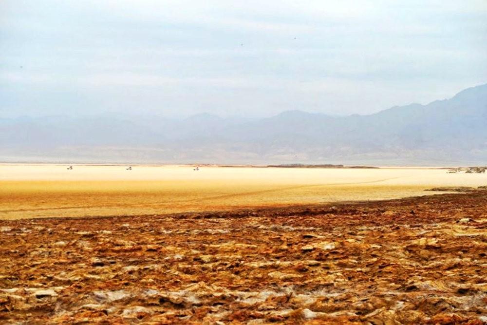 达纳基勒洼地---地球盐与绿泉_图1-36