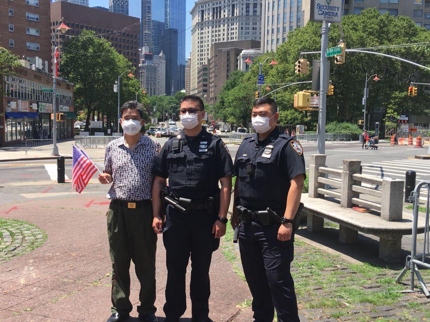 纽约华埠侨团声援支持纽约警察活动_图1-23
