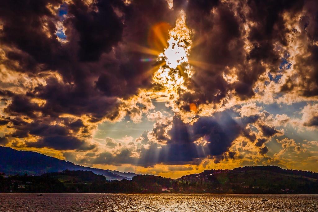 瑞士卢塞恩(Lucerne),透过层云_图1-40
