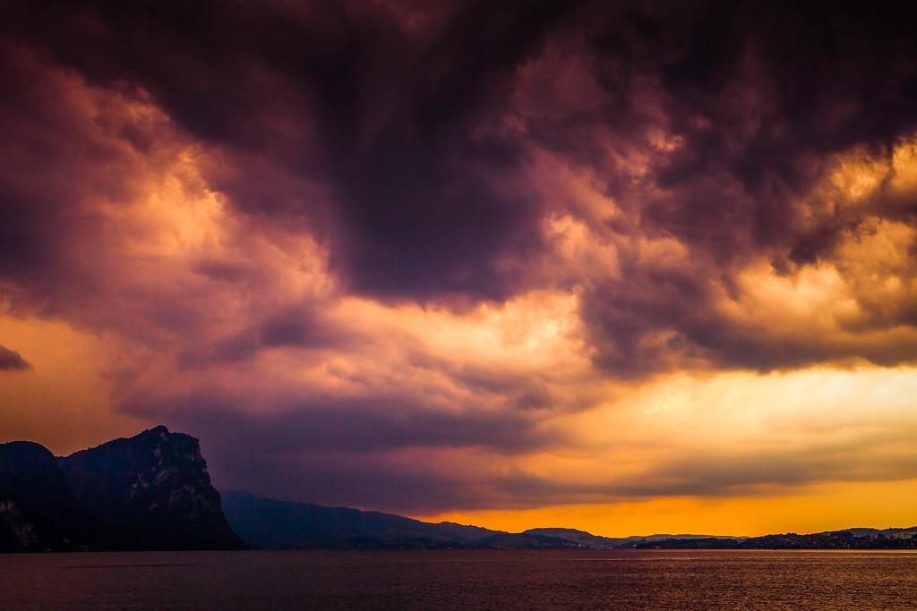 瑞士卢塞恩(Lucerne),透过层云_图1-29