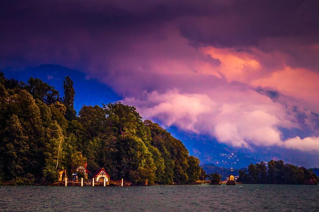 瑞士卢塞恩(Lucerne),透过层云_图1-24
