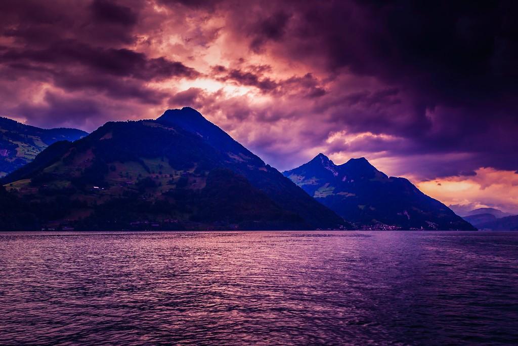 瑞士卢塞恩(Lucerne),透过层云_图1-8