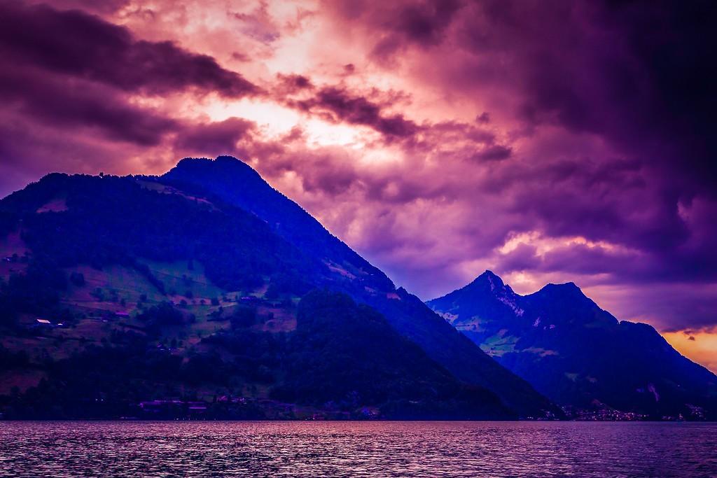 瑞士卢塞恩(Lucerne),透过层云_图1-3