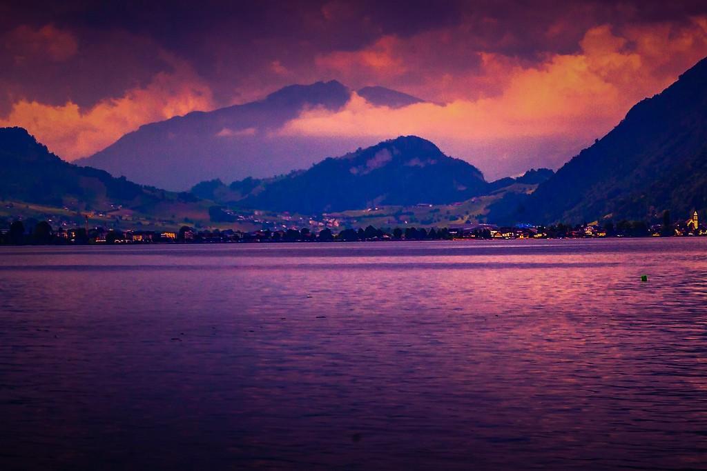 瑞士卢塞恩(Lucerne),透过层云_图1-7