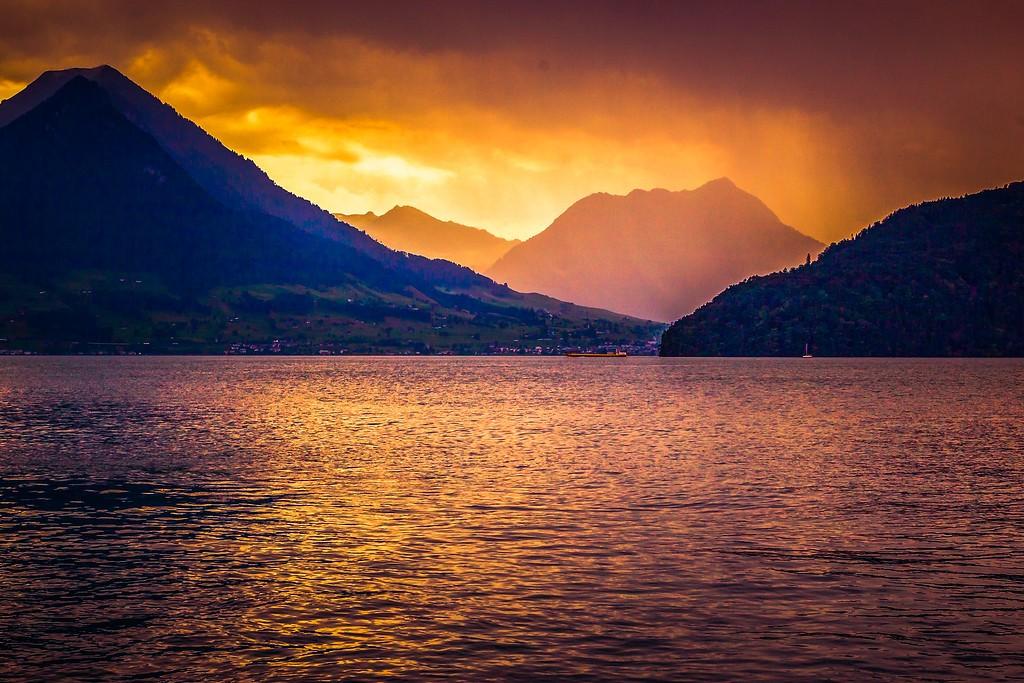 瑞士卢塞恩(Lucerne),透过层云_图1-12