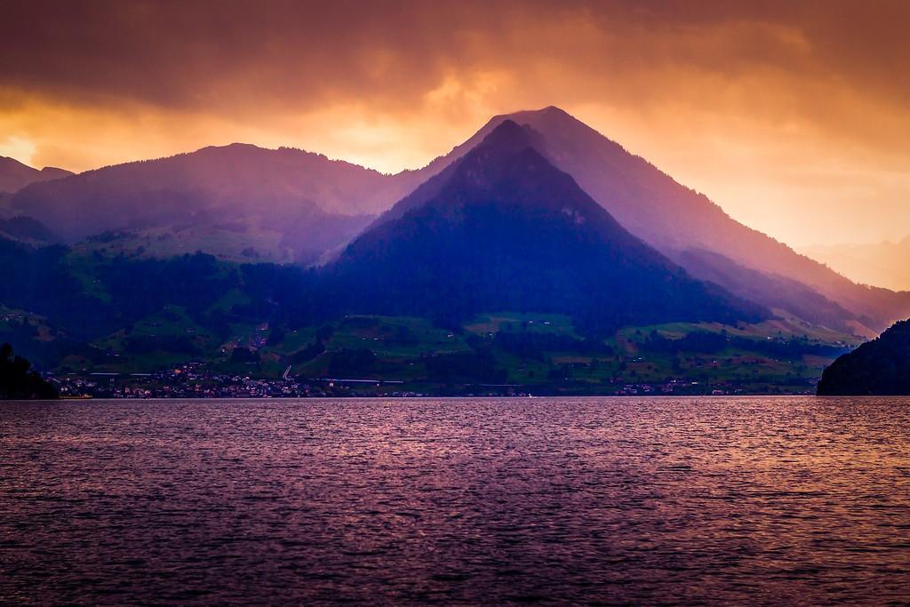瑞士卢塞恩(Lucerne),透过层云_图1-10