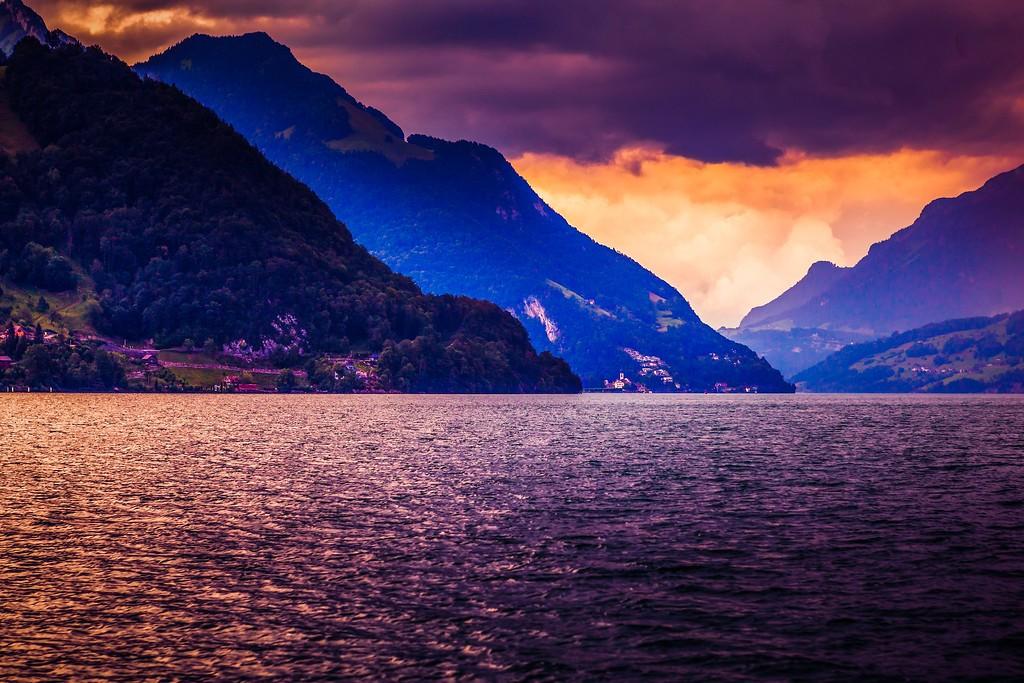 瑞士卢塞恩(Lucerne),透过层云_图1-9