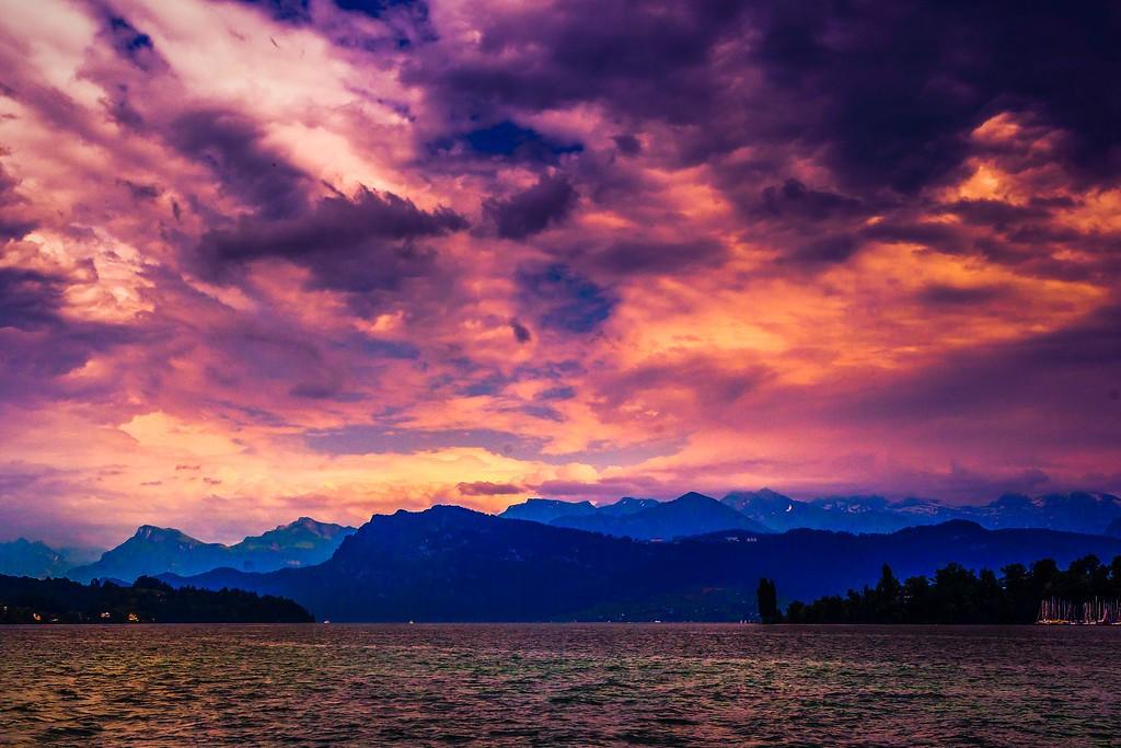 瑞士卢塞恩(Lucerne),透过层云_图1-14