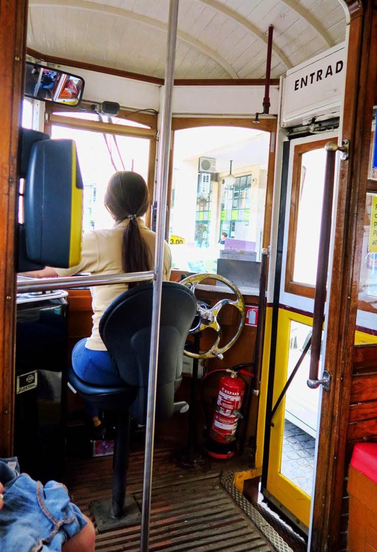 我乘坐过的里斯本28号电车_图1-3