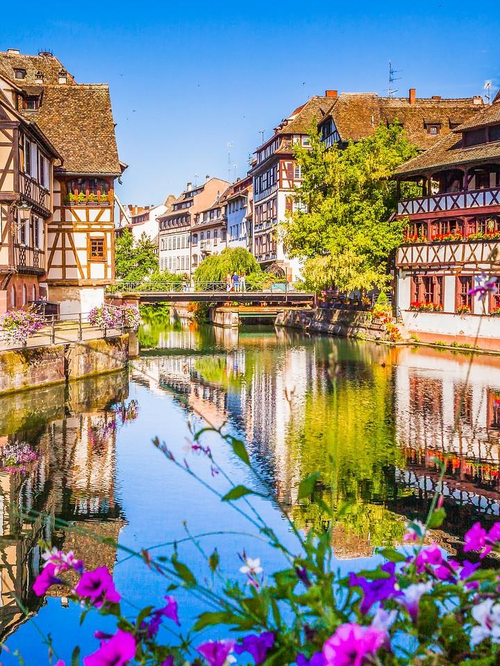 法国斯特拉斯堡(Strasbourg),河边眺望_图1-22