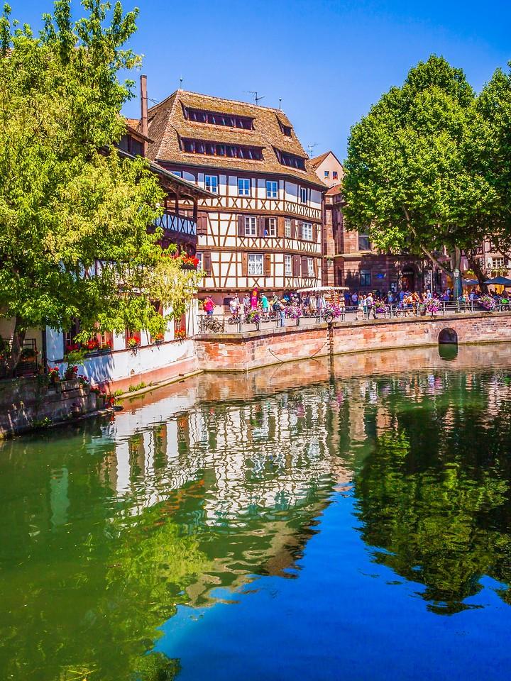 法国斯特拉斯堡(Strasbourg),河边眺望_图1-23