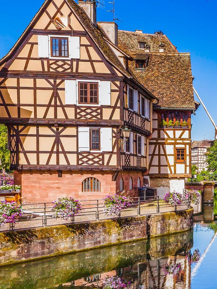 法国斯特拉斯堡(Strasbourg),河边眺望_图1-20