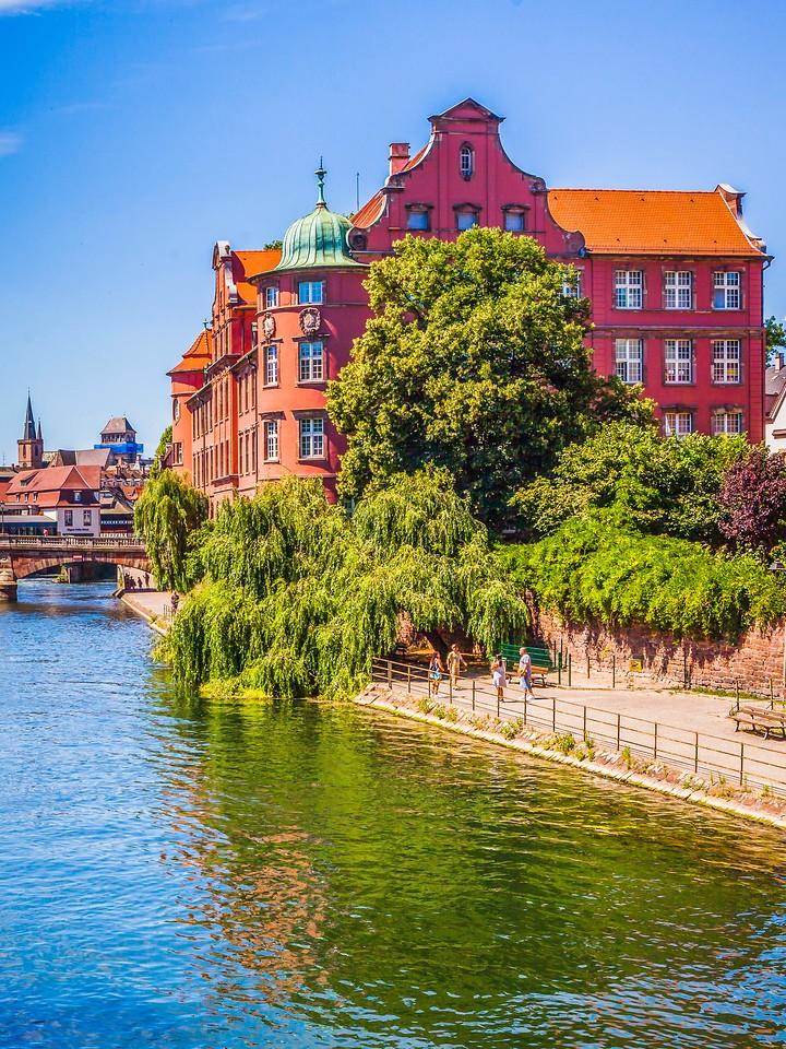 法国斯特拉斯堡(Strasbourg),河边眺望_图1-13