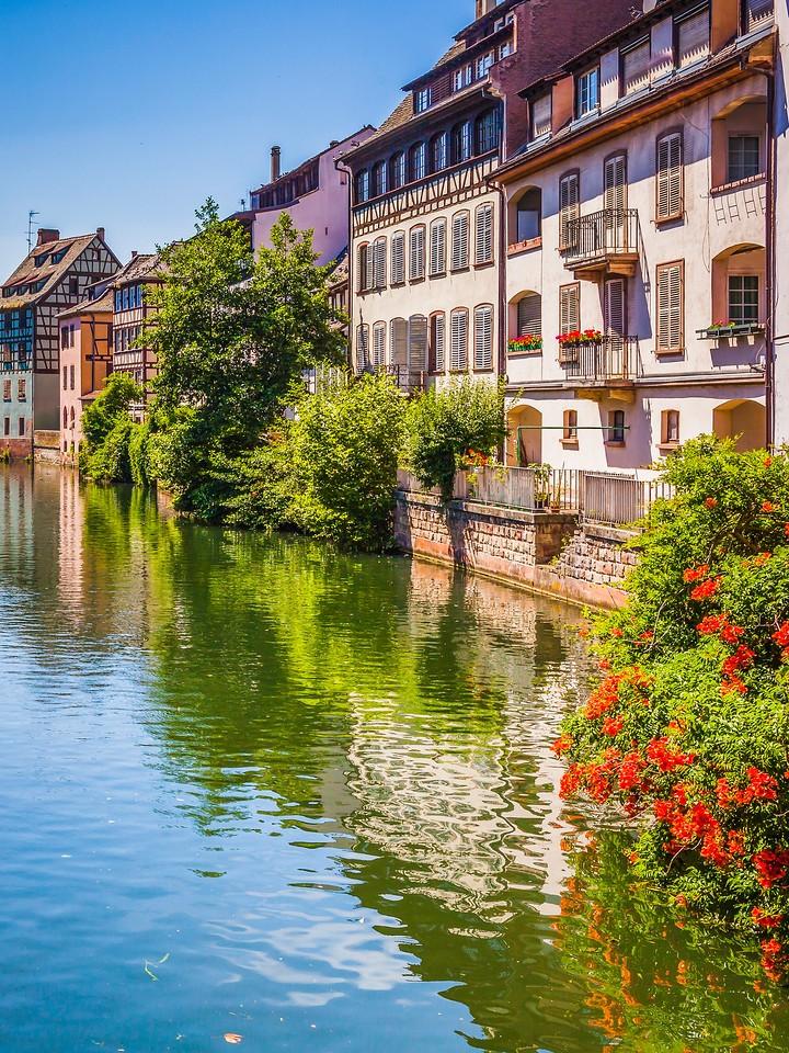 法国斯特拉斯堡(Strasbourg),河边眺望_图1-19