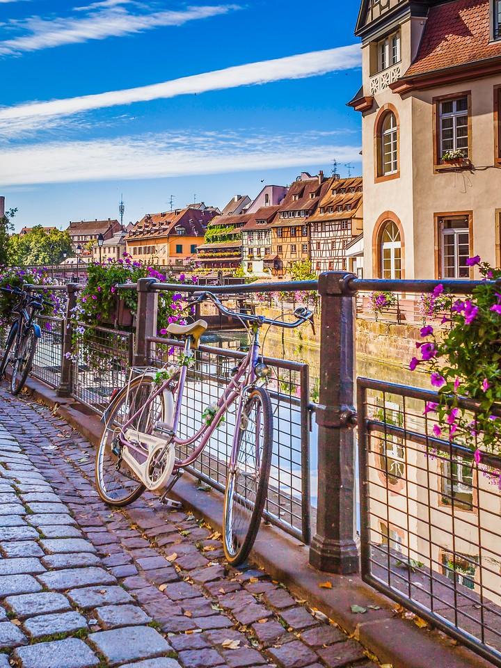 法国斯特拉斯堡(Strasbourg),河边眺望_图1-18