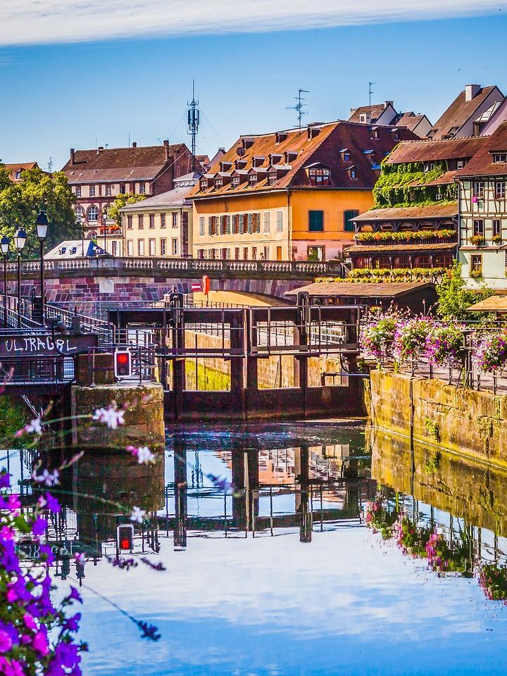 法国斯特拉斯堡(Strasbourg),河边眺望_图1-17