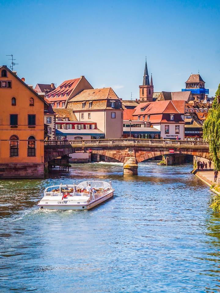 法国斯特拉斯堡(Strasbourg),河边眺望_图1-15