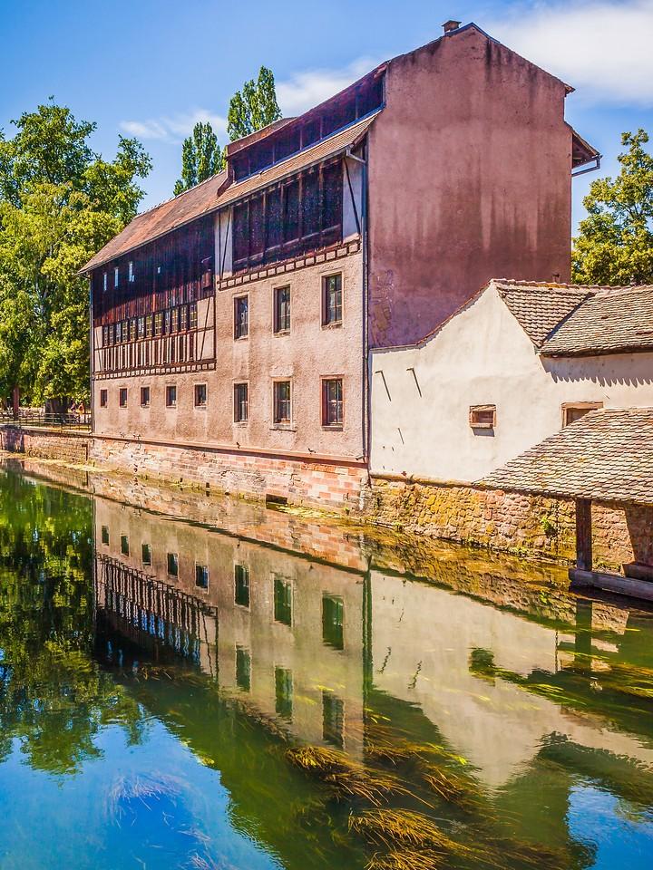 法国斯特拉斯堡(Strasbourg),河边眺望_图1-14