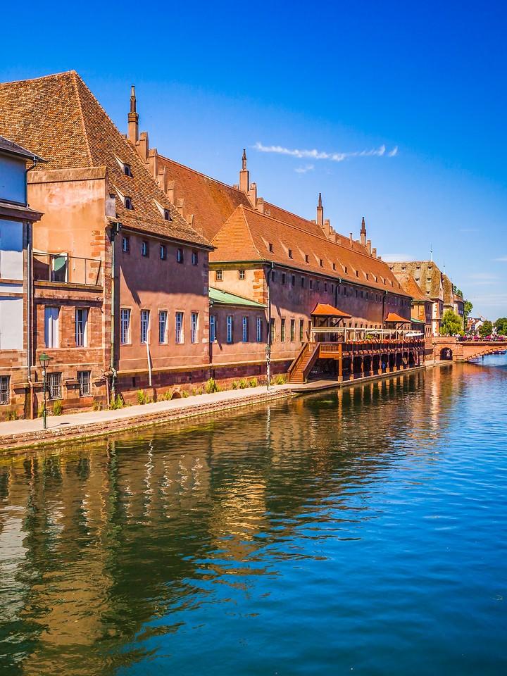 法国斯特拉斯堡(Strasbourg),河边眺望_图1-16