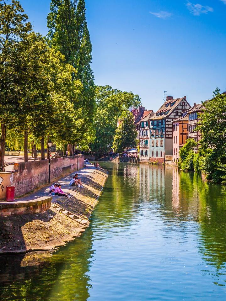 法国斯特拉斯堡(Strasbourg),河边眺望_图1-11