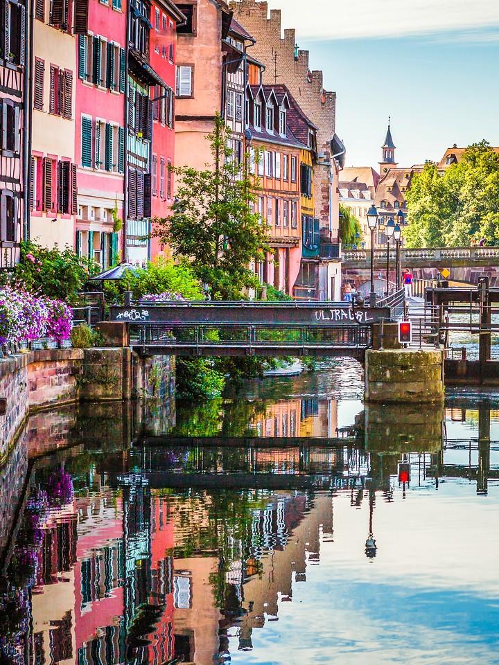法国斯特拉斯堡(Strasbourg),河边眺望_图1-10