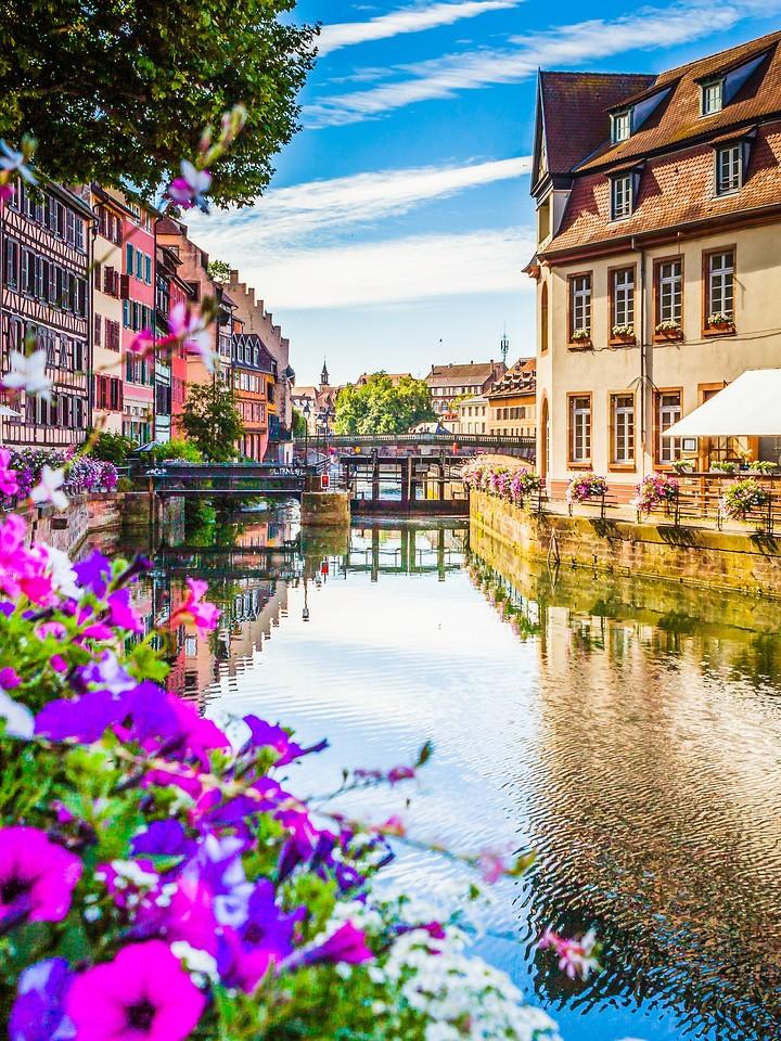 法国斯特拉斯堡(Strasbourg),河边眺望_图1-9