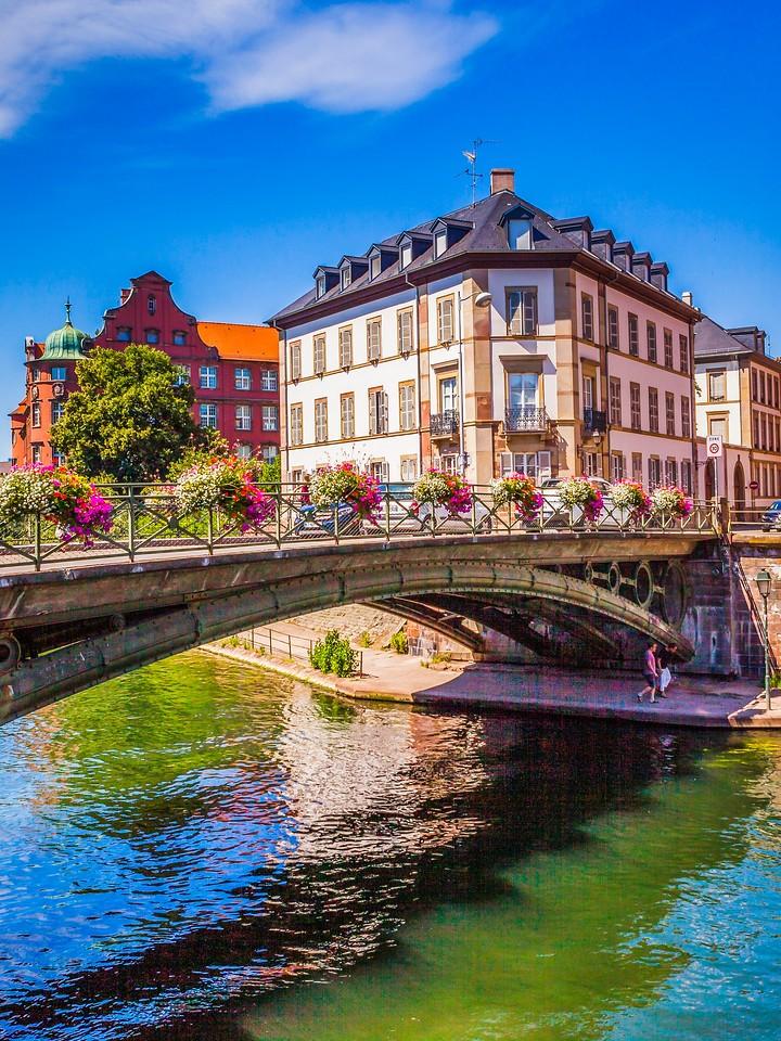 法国斯特拉斯堡(Strasbourg),河边眺望_图1-3