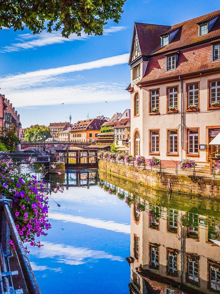 法国斯特拉斯堡(Strasbourg),河边眺望_图1-6