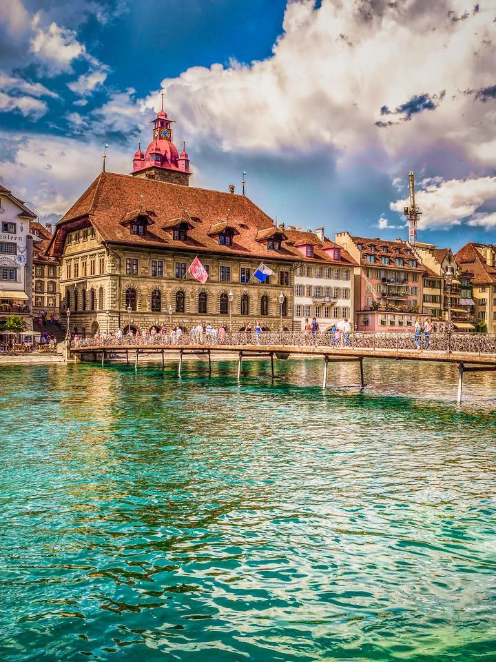 瑞士卢塞恩(Lucerne),墙上杰作_图1-23