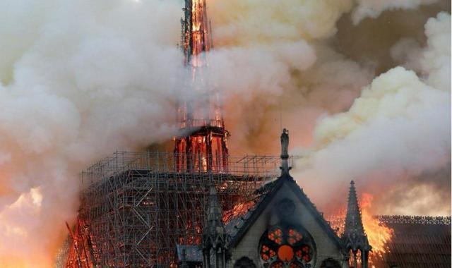 巴黎圣母院大火:烧掉的不仅仅是建筑,还有这些历史时刻的鉴证 ..._图1-1
