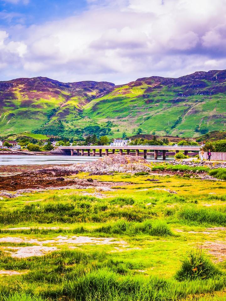 苏格兰艾琳多南城堡(Eilean Donan castle),高高耸立_图1-12