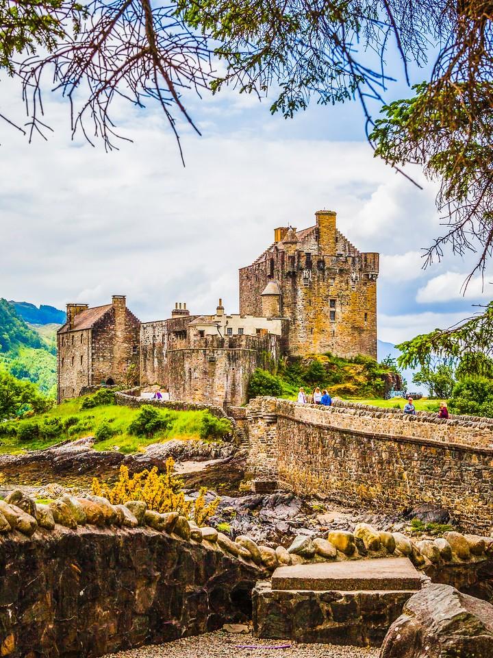 苏格兰艾琳多南城堡(Eilean Donan castle),高高耸立_图1-10