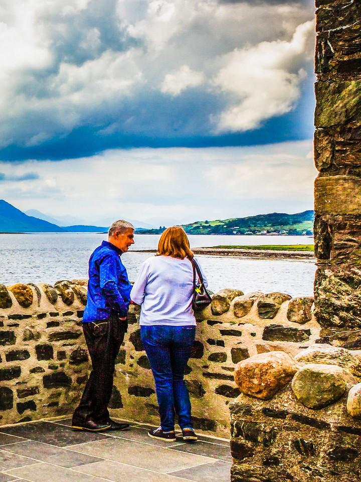 苏格兰艾琳多南城堡(Eilean Donan castle),高高耸立_图1-11