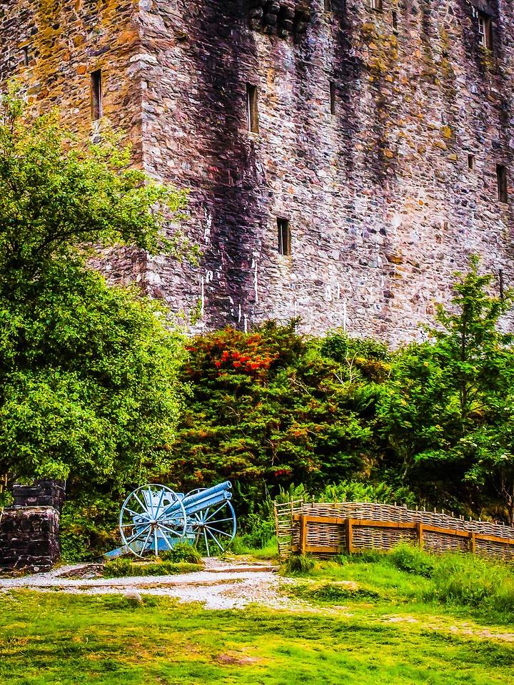 苏格兰艾琳多南城堡(Eilean Donan castle),高高耸立_图1-9