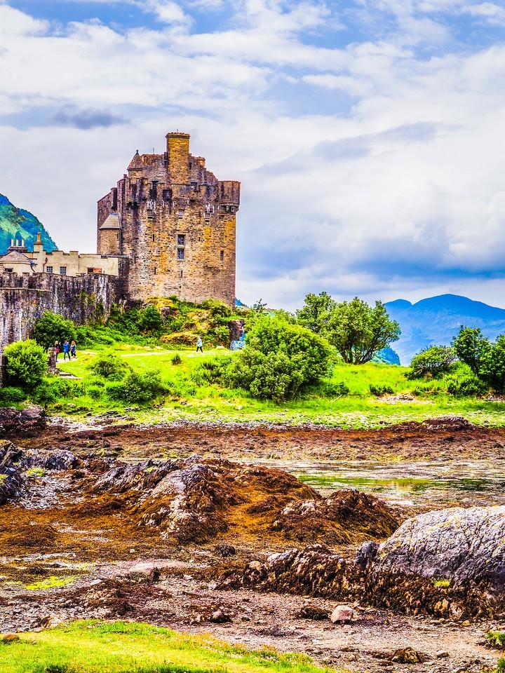 苏格兰艾琳多南城堡(Eilean Donan castle),高高耸立_图1-8