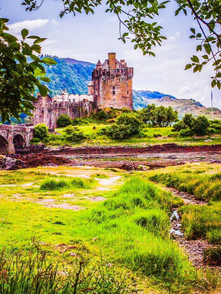 苏格兰艾琳多南城堡(Eilean Donan castle),高高耸立_图1-6