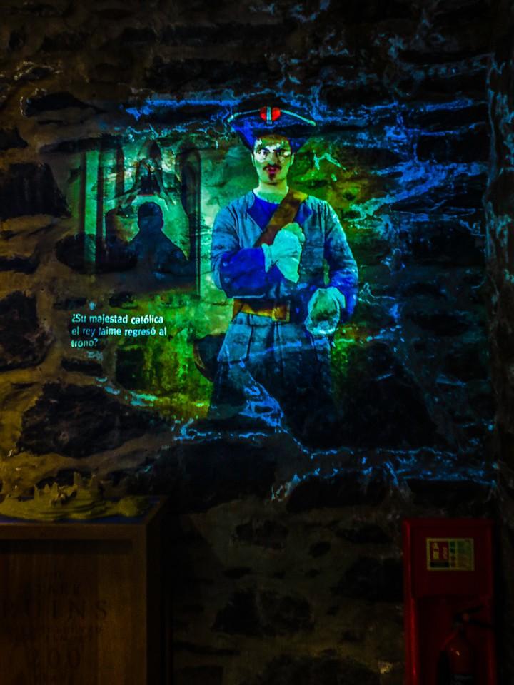 苏格兰艾琳多南城堡(Eilean Donan castle),高高耸立_图1-18