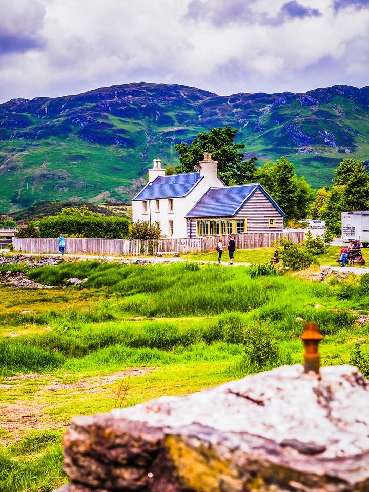 苏格兰艾琳多南城堡(Eilean Donan castle),高高耸立_图1-26