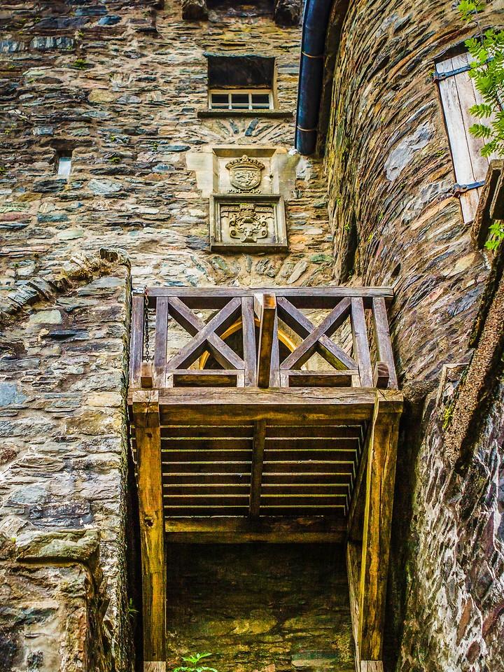 苏格兰艾琳多南城堡(Eilean Donan castle),高高耸立_图1-24