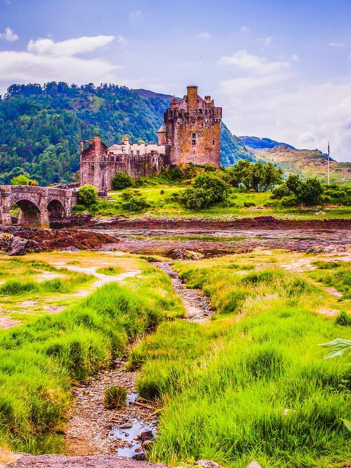 苏格兰艾琳多南城堡(Eilean Donan castle),高高耸立_图1-25