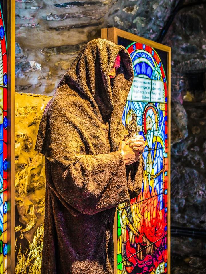 苏格兰艾琳多南城堡(Eilean Donan castle),高高耸立_图1-27